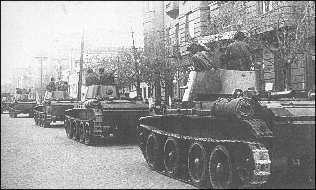 Танки БТ-7