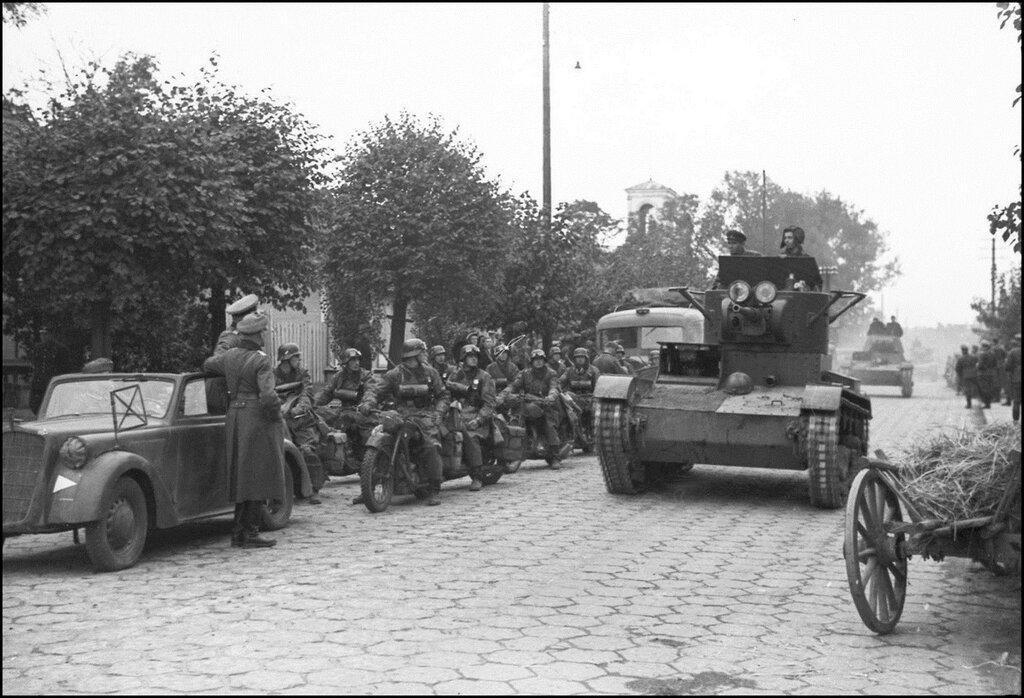 Немцы и танки Т-28