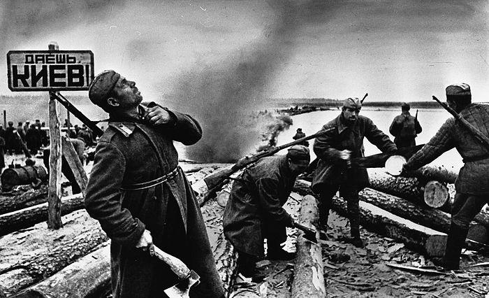 Советские войска в битве