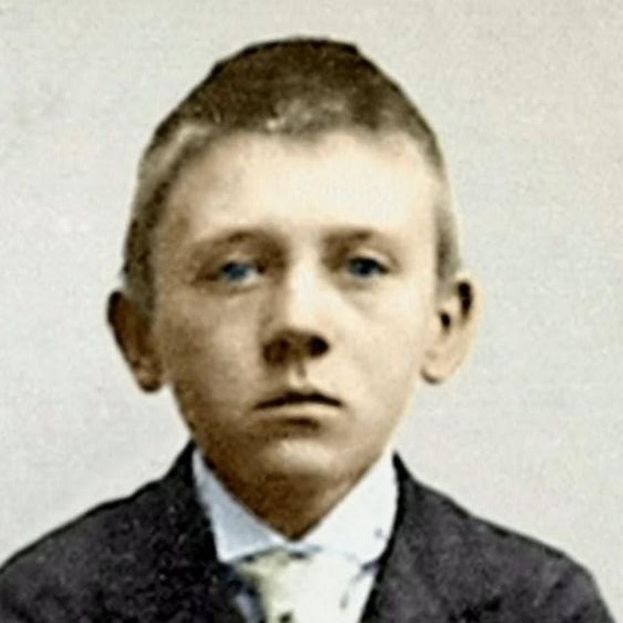Адольф Гитлер в юном возрасте
