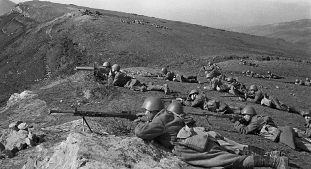 Оборонительные бои советскими войсками