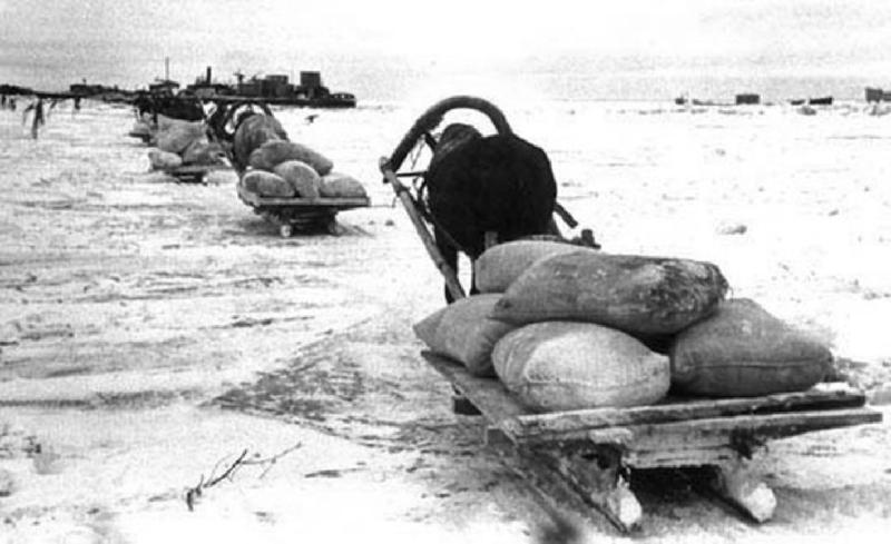 Конный обоз по пути в блокадный Ленинград