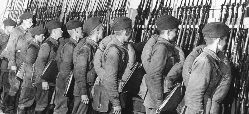 Советские солдаты, первые дни войны