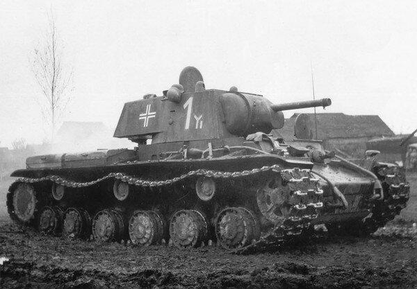 Танк КВ-1 в распоряжении немцев