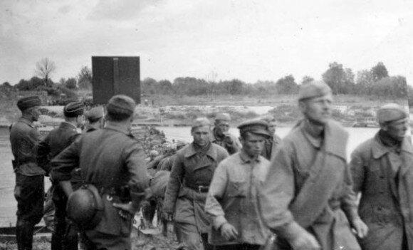 Советские солдаты в плену