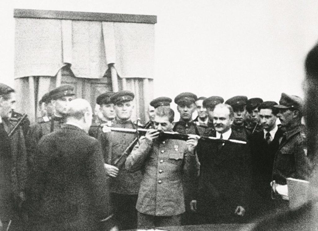Сталин на встрече с английским королем