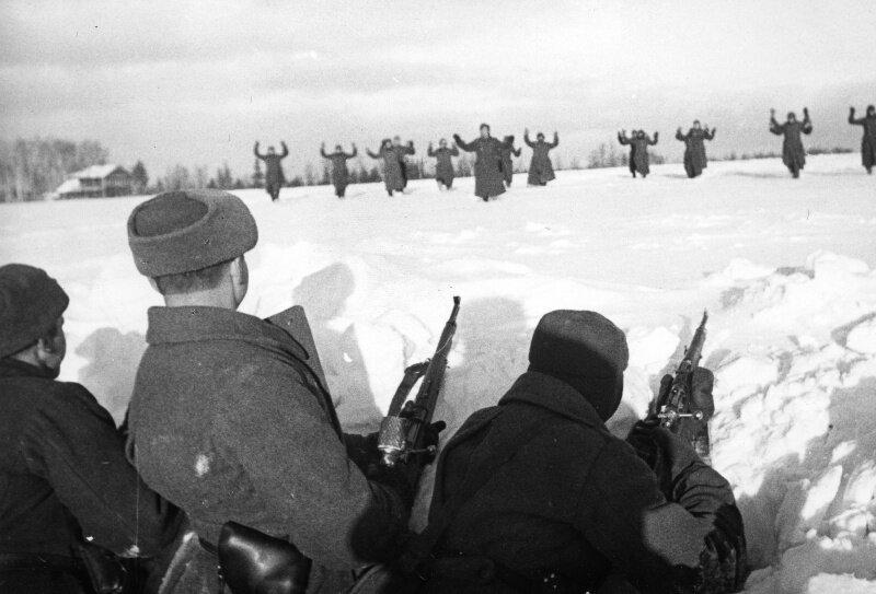 Солдат Германии сдаются в плен