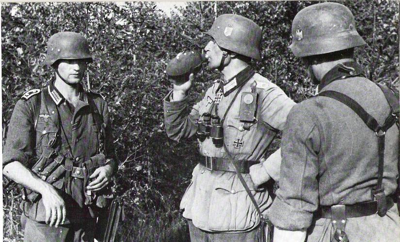 Офицер и унтер-офицеры Вермахта