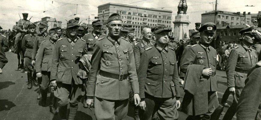 Марш пленных немцев в июле 1944 года