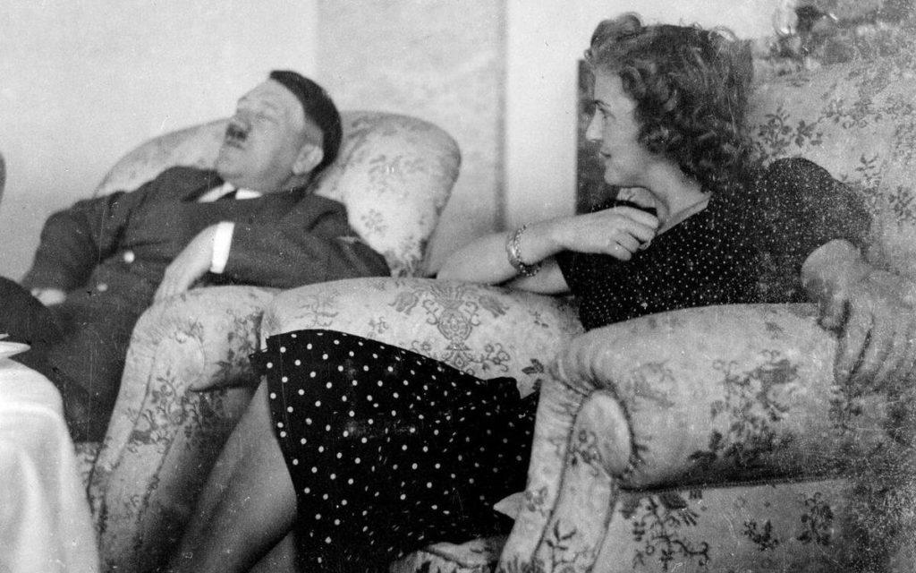 Совместное фото Гитлера с Евой Браун