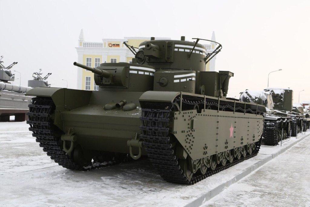 Отреставрированный танк Т-35