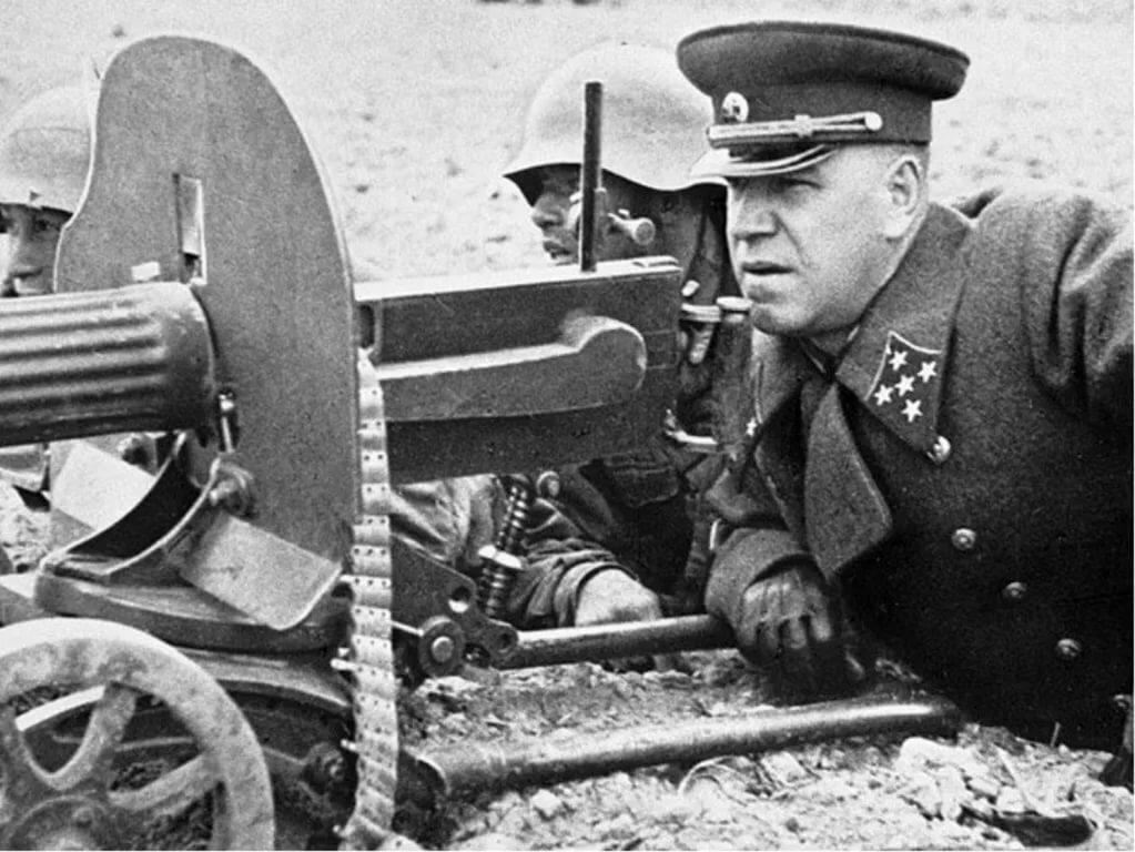 Жуков в 1941 году на поле боя