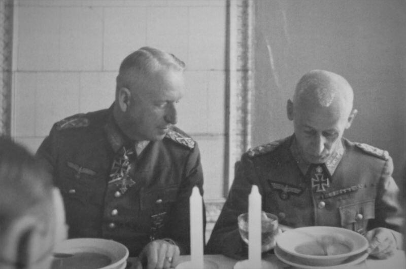 Немецкие генералы Манштейн и Гот
