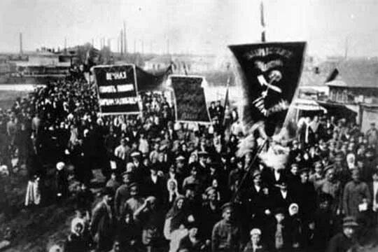 Бунт против большевиков в Ижевске