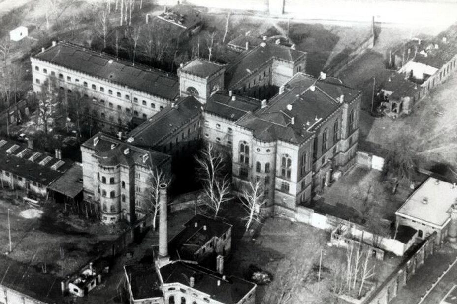 Вид сверху тюрьмы Шпандау