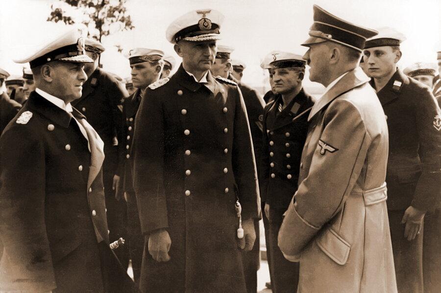 Карл Дениц и Гитлер