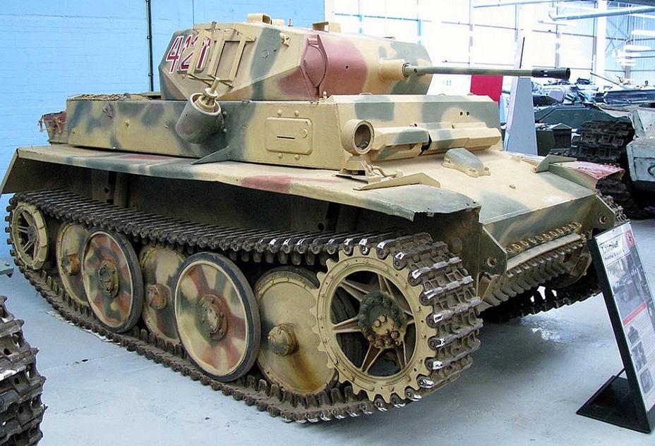 Образец танка Т-II Лукс
