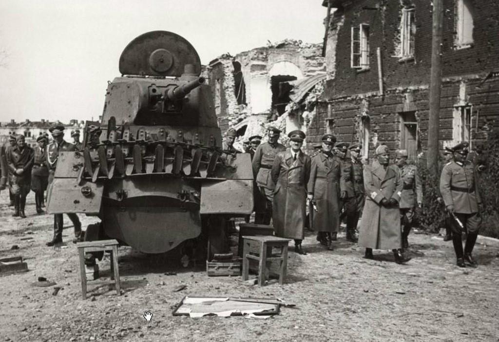 Гитлер и Муссолини приехали осматривать Брестскую крепость