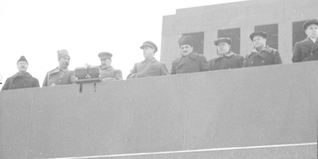 Сталин на параде 7 ноября 1941 года