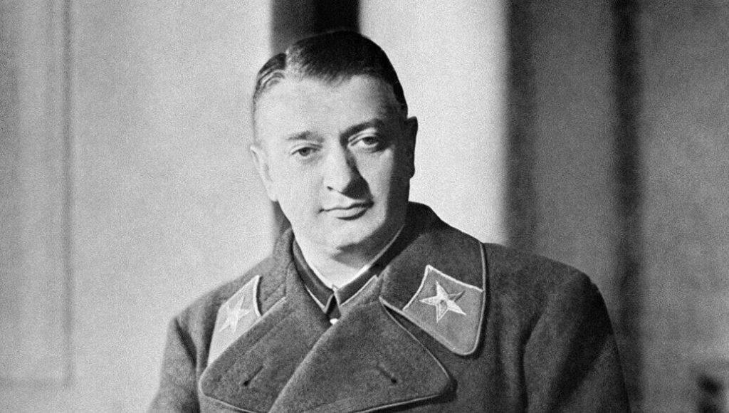 Портрет маршала Тухачевского