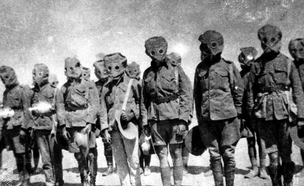 Войска Антанта, снабженные противогазами