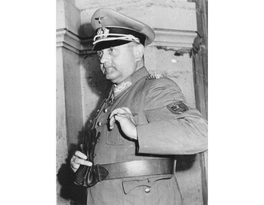 Фото немецкого генерала Дитрих фон Хольтица