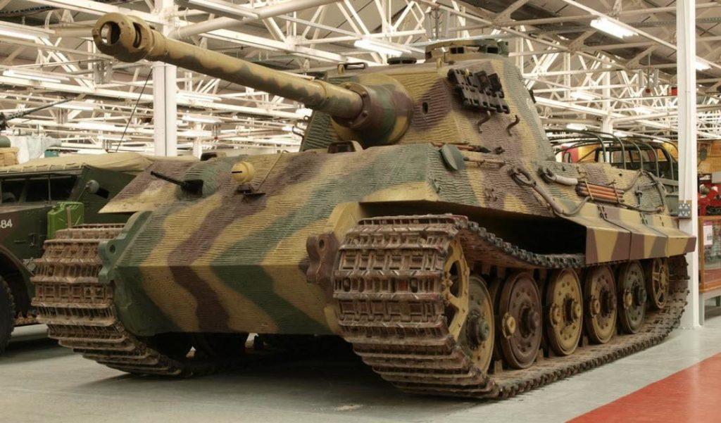 """Образец танка """"Королевский тигр"""" в музее"""