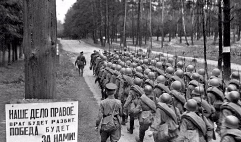 Русские солдаты отправляются на фронт