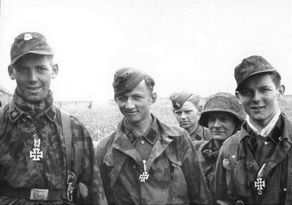 Немецкие солдаты-подростки