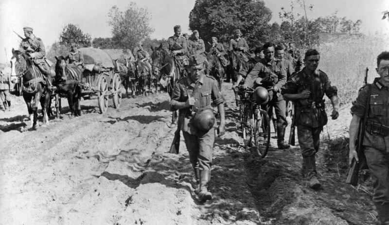 Марш немецких солдат по СССР