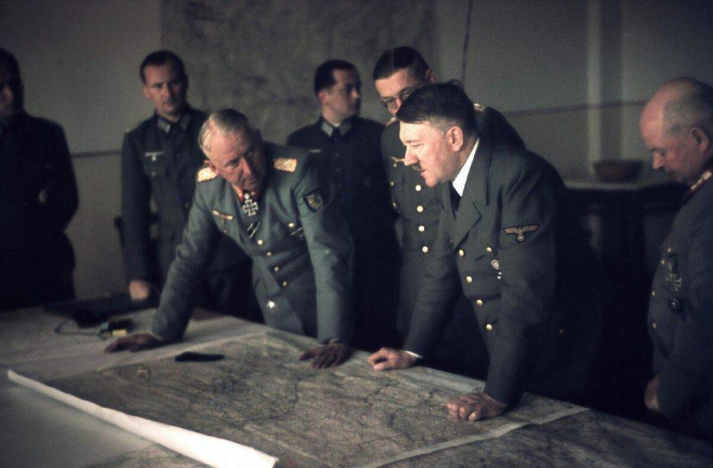 Фото Манштейна и Гитлера