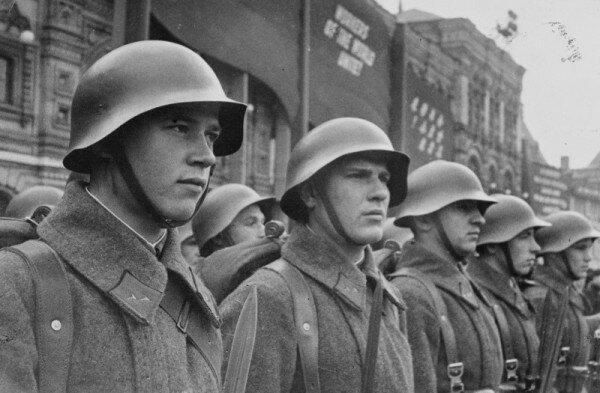 Фото советских солдат перед началом ВОВ
