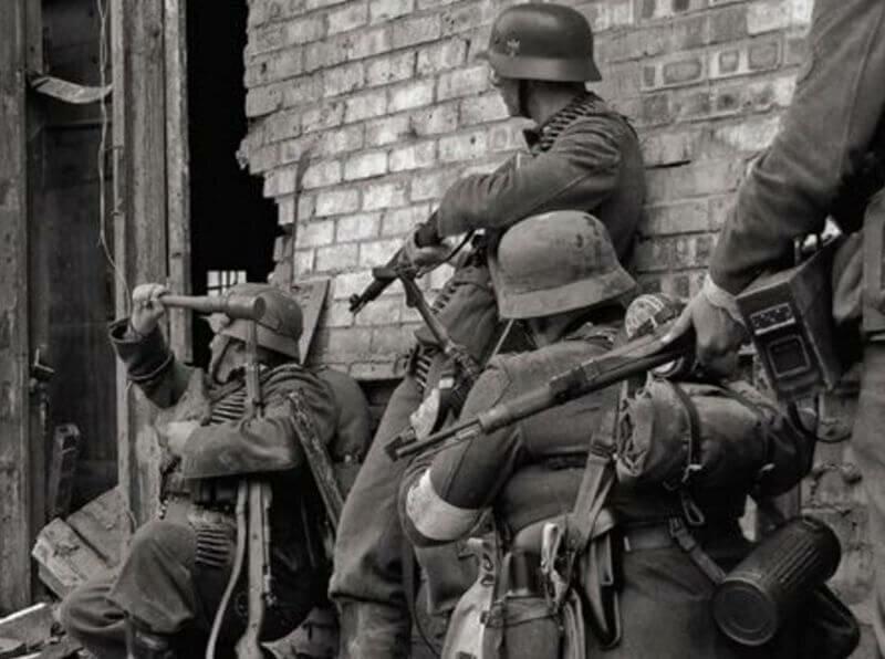 Немецкие солдаты в Сталинграде в 1943